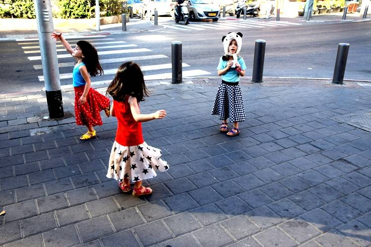 אומנות השגרה - חצאיות מסתובבות