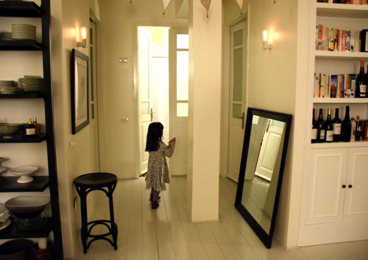 בתים מבפנים כולל פתיחת מקרר
